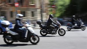 Las motos de más de 15 años no podrán circular en zonas de Barcelona